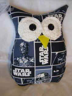 "Items similar to Hooters Stuffed Owl Pillow ""Lucas"" featuring Star Wars on Etsy Christmas Owls, Christmas Projects, Owl Bird, Pet Birds, Bird Barn, Barn Owls, Sewing Crafts, Sewing Projects, Owl Pet"