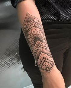 Caring For A New Tattoo - Hot Tattoo Designs Mandala Tattoo Design, Henna Tattoo Designs, Forearm Mandala Tattoo, Designs Mehndi, Unique Tattoos, Small Tattoos, Tattoos For Guys, Tattoos For Women, Gorgeous Tattoos