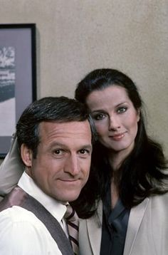 Hill Street Blues (TV Series Furillo and Davenport Great Tv Shows, Old Tv Shows, Veronica Hamel, 1980s Tv Shows, Detective, St Blues, Timeless Series, Movie Couples, Tv Guide