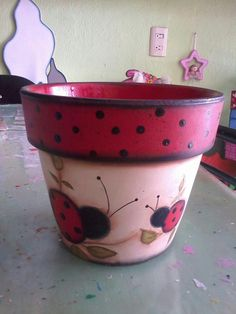 How to Plant Potted Flowers Outdoors in the Soil : Garden Space – Top Soop Flower Pot Art, Clay Flower Pots, Flower Pot Crafts, Clay Pots, Flower Pot People, Clay Pot People, Clay Pot Projects, Clay Pot Crafts, Painted Plant Pots