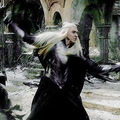 Thranduil, a windmill of death The Hobbit Thranduil, Lee Pace Thranduil, O Hobbit, Lotr Elves, Mirkwood Elves, Lotr Characters, Elf Art, Bilbo Baggins, The Elf