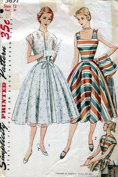 Simplicity 3897 Vintage Sewing Pattern Misses Party Dress Sundress Redingote Party Dress Size 11 Bust 29 Size 16 Bust 34 Vintage Outfits, Vintage 1950s Dresses, 1950s Style, Vintage Dress Patterns, Clothing Patterns, 1950s Fashion, Vintage Fashion, Fashion Fashion, Patron Vintage