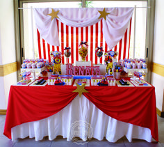 Circus birthday party! See more party planning ideas at CatchMyParty.com! Carnival Party Foods, Circus Carnival Party, Carnival Themes, Circus Birthday, 80th Birthday, Birthday Parties, Circus Cakes, Dream Party, Party Activities