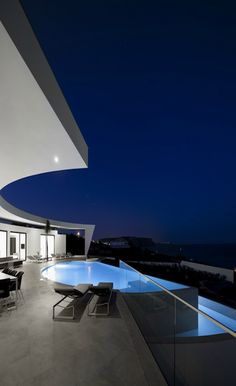Colunata House, Lagos, Portugal | Mario Martins