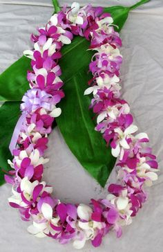 Hawaiian flowers sent to any US state. Flower leis, loose orchid blooms and Hawaiian gifts. Graduation leis are our specialty. Flower Garland Wedding, Flower Garlands, Wedding Flowers, Wedding Garlands, Wedding Bouquets, Hawaiian Flowers, Hawaiian Leis, Tropical Flowers, Fresh Flowers