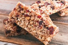 DR.OZ'S NO-BAKE ENERGY BARS  Ingredients  1 cup quick-cook oats  1/3 cup dried tart cherries   1/2 cup all-natural peanut butter  3 tbsp honey  1 tsp vanilla      Directions  Mix the ingredients together in a bowl.      Spread the mixture in a pan and refrigerate for 2 hours.     Slice and enjoy!