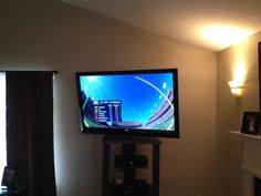Charlotte Home Theater Installation Projector and screen, 5.1 and 7.1 speaker installation, Flatscreen TV mounting  704-905-2965