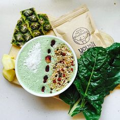 Green piña colada smoothie bowl