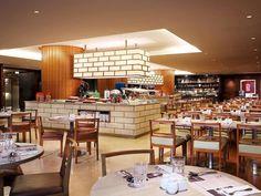 Grand Mercure Roxy Singapore - Hotels.com - Lüks Otellerden Uygun Fiyatlı Konaklama Birimlerine Kadar İndirimli Rezervasyon ve Satış Mercure Hotel, Roxy, Singapore, Buffet, Conference Room, Table, Furniture, Home Decor, Decoration Home