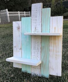 Rustic ideas for wooden shelves artesanias en madera деревян Wooden Pallet Projects, Wooden Pallet Furniture, Diy Furniture, Furniture Plans, Outdoor Furniture, Luxury Furniture, Garden Furniture, Furniture Movers, Furniture Removal