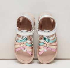 Girls Sandals, Shoes, Fashion, Moda, Zapatos, Shoes Outlet, Fashion Styles, Shoe, Footwear