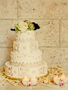 Vintage wedding cakes are still become the most favorite wedding cakes style and design these days. The vintage wedding cakes always using pastel colors. Lace Wedding, Our Wedding, Wedding Stuff, Forest Wedding, Purple Wedding, Spring Wedding, Wedding Bells, Wedding Bride, Rustic Wedding