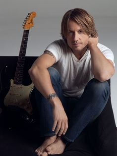 Day of my favorite band or artist, even though I can't call myself a fan of country music, Keith Urban would have to be my favorite artist. I love his music and I love the words to his songs, they are life and love put into a song! Country Music Artists, Country Music Stars, Country Singers, Keith Urban, Boys Are Stupid, Raining Men, Country Boys, Nicole Kidman, Celebs