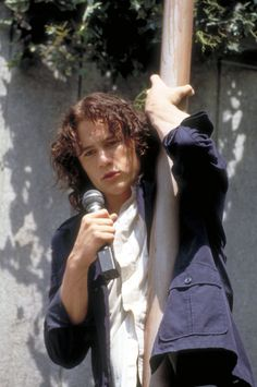 10 Things I Hate About You Director Recalls Heath Ledger's 'Palpable Sexuality' as Movie Turns 20