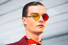 Are you looking for the hottest eyewear trends that are presented to both men and women for the next year? Choosing fashionable and stylish clothes to Trending Sunglasses, Mens Sunglasses, Stylish Outfits, Stylish Clothes, Eyewear Trends, Magazine Man, Latest Mens Fashion, Men Fashion, Latest Design Trends
