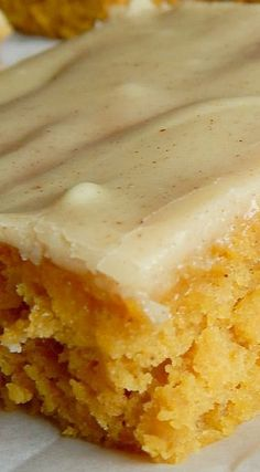 Iowa Pumpkin Sheet Cake ~ A bit different from your typical pumpkin bar, these have a unique secret ingredient and a frosting that is mouthwatering! Cake for you Pumpkin Cake Recipes, Sheet Cake Recipes, Pumpkin Bars, Pumpkin Dessert, Sheet Cakes, Sheet Cake Pan, Pumpkin Spice, Köstliche Desserts, Delicious Desserts