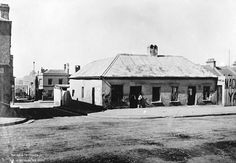 108-110 Princes_St_-_the_first_hotel_on_The_Rocks_from_The_Powerhouse_Museum_Collection.jpg 1,024×710 pixels