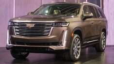 Cadillac says the long-wheelbase Escalade will debut at the 2020 New York Auto Show. It will be stretched by inches compared to the regular model. Escalade Esv, Cadillac Escalade, Large Suv, All Terrain Tyres, Air Ride, Luxury Suv, Twin Turbo, Car And Driver, Diesel Engine