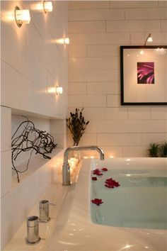 Interesting lighting in this contemporary bathroom by Douglas Stratton.