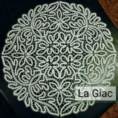 Bobbin Lace Patterns, Textile Patterns, Textiles, Bruges, Romanian Lace, Bobbin Lacemaking, Point Lace, Doilies, Crochet