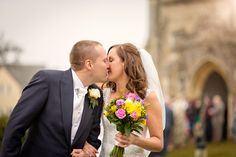 #wedding #photography #bride #groom #kitmocphotography #weddingphotography #kiss #church