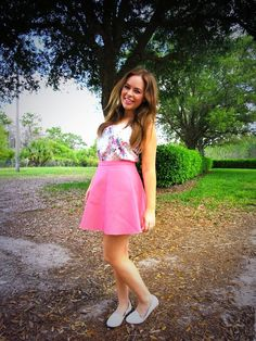 Simple shoes really set off this Oasis sugar pink look on Tanya Burr. Leather Skater Skirts, High Street Fashion, Florida Outfits, Tanya Burr, Winter Skirt, Celebs, Celebrities, Casual Dresses, Fashion Dresses
