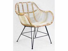 Handgemaakte rotan stoel blond natural metalen poten 69cmx67cmx79cm nr 301057 | Handgevlochten tafels, stoelen en krukken | ameliahoeve