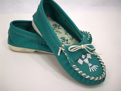 Love me some moccasins!!    Vintage Moccasin Shoes, Turquoise, Indian, Leather and Lace, Taos, Size 6. $41.00, via Etsy.