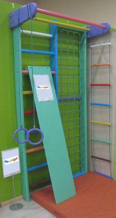 Kinder Kletterwand Kids Indoor Gym, Kids Gym, Indoor Activities For Kids, Gymnastics At Home, Kindergarten Design, Loft Interior Design, Toy Rooms, Indoor Playground, At Home Gym