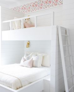 We hope you are all having a fabulous weekend...we're calling it early tonight These custom bunk beds from our #whitewingwaterman…