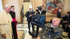 Pápeź František prijal britského vedca Stephena Hawkinga vo Vatikáne, 29. 11. 2016