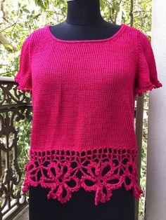 Crochet Borders, Crochet Top, Knitwear, Tees, Women, Fashion, Moda, Crochet Edgings, Chemises