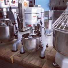 BM10 from Dynasty (Taiwan) 10-litre planetary mixer for your pastry and baking business now available. For your inquiries, drop us a message or contact 032 495 7828 or visit www.mrmetalcorp.com #cebu #food #bakery #mixer #planetarymixer #pastry#bread #dough #cakes #pizza #cookies #foodservice #foodbusiness #foodporn #hotels #restaurants #catering #culinary