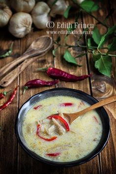 ciorba falsa de burta Soup Recipes, Cooking Recipes, Healthy Recipes, My Favorite Food, Favorite Recipes, Romanian Food, Romanian Recipes, Food Hacks, Good Food