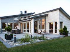 1-planhus i funkis och pulpettak. Avanti är ett hus med öppet mellan kök, vardagsrum och allrum.