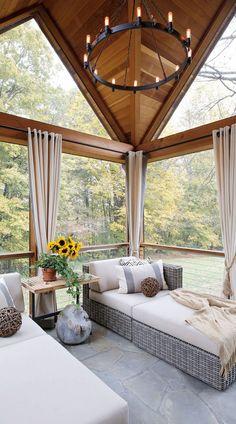 So pretty 😍 Sunroom Decorating, Sunroom Ideas, Geometric Furniture, Furniture Design, Light Wooden Floor, Small Sunroom, Dining Room Curtains, Transitional Living Rooms, Cabin Design