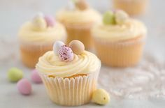 45 Easter Cakes and Bakes