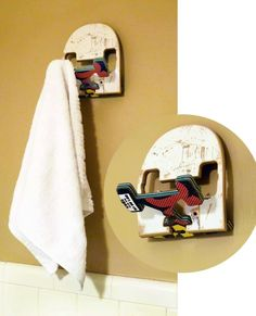 These original wall hooks are made by Deckstool from recycled skateboard decks. Deckstool use the end of skateboard decks to made these wall hooks, other parts of the decks were used to make furniture's. They have a pop-up skateboard truck that acts as a double-headed hook. Great to suspend bags or gears. The SkateHook can …    Read More »  #Hook, #Skateboard, #Wall #Accessories, #RecycledSportsEquipment, #WoodOrganic
