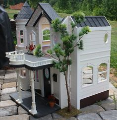 1:6th Scale Victorian Re-make by Missypants, via Flickr