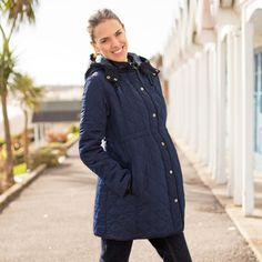 Thick maternity jacket that can be worn throughout your pregnancy, keeping you warm and snug on cold days. Maternity Winter Coat, Maternity Jackets, Navy Quilt, Cold Day, Long A Line, Snug, Raincoat, Winter Coats, Winter Jackets