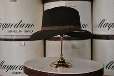 Indiana de lana, color bronce. Woolen Indiana hat, bronze hat.