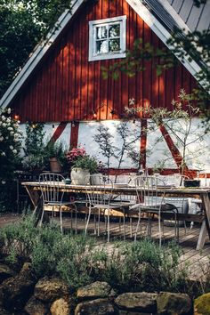 A travel guide through the beautiful region Skåne in Sweden. Many lovely food stories and the most beautiful and charming holiday home. Diy Rustic Decor, Rustic Design, Sweden House, Houses In Sweden, Sweden Travel, Italy Travel, Fresco, Amazing Gardens, Garden Landscaping
