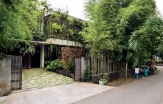 Adi Purnomo is regarded as one of Indonesia's most innovative architects. So, it seemed logical to throw him the challenge of designing a house which is simultaneously theatrical and intimate. Kerstin Rose reveals how it does this, as well as integrating with its landscape.
