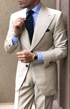 Latest Wide Peaked Designs Beige Suits for Men Attire Groom Tuxedo Groomsmen Outfit Slim Terno Masculino Costume Homme Black Suit Wedding, Wedding Suits, Wedding Groom, Beige Suits For Men, Tan Suit Men, Brown Suits, Mens Fashion Suits, Mens Suits, Cool Outfits For Men