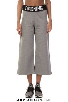 Are you ready for the stylish jogging? Cropped wide-leg sweatpants in heather grey by Opening Ceremony are our choice Sporty Outfits, Sporty Style, Opening Ceremony, Jogging, Heather Grey, Wide Leg, Sweatpants, Clothes For Women, Hoodies