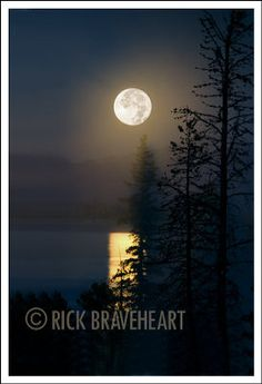 "The Great American Landscape » Photographer's Notes Series: This Week ""Moon Over Yellowstone"""