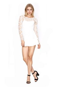 Harper Ivory Price: € 40.00  Ivory lace playsuit