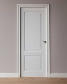 Order custom-made solid wood panel doors, in style, classic or modern. Delivered directly from our factory from stock. Interior Door Trim, Interior Door Styles, Door Design Interior, Panel Doors, Windows And Doors, Hotel Lobby Design, Cosy Home, Wooden Room, Door Molding