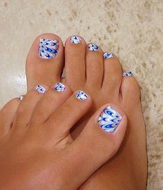 Fabulous Beach Toe Nail Art