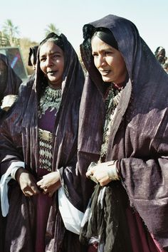 Africa | Tuareg women. Festival Sebeiba in Djanet, southeast Algeria | ©Josette Navas.